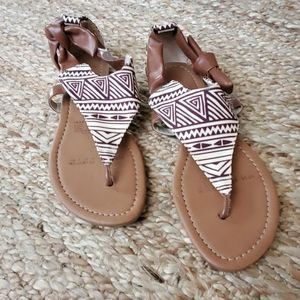 ANDREA BROWN THONG SANDALS